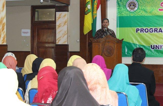 Wakil Direktur Program Pascasarjana UAD Dr. Ir. Dwi Sulisworo, M.T. saat menyampaikan sambutan pada Pelepasan Wisuda Sarjana dan Pascasarjana Psikologi UAD.