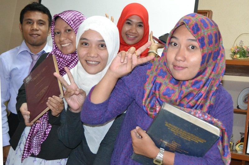 Peserta Program Tesis di USANT Bacth 2: Desy Hidayanti, Ratih Kusuma Dewi, Aditya Dwi Saputri, Balqis Husain, Awaludin Arifin